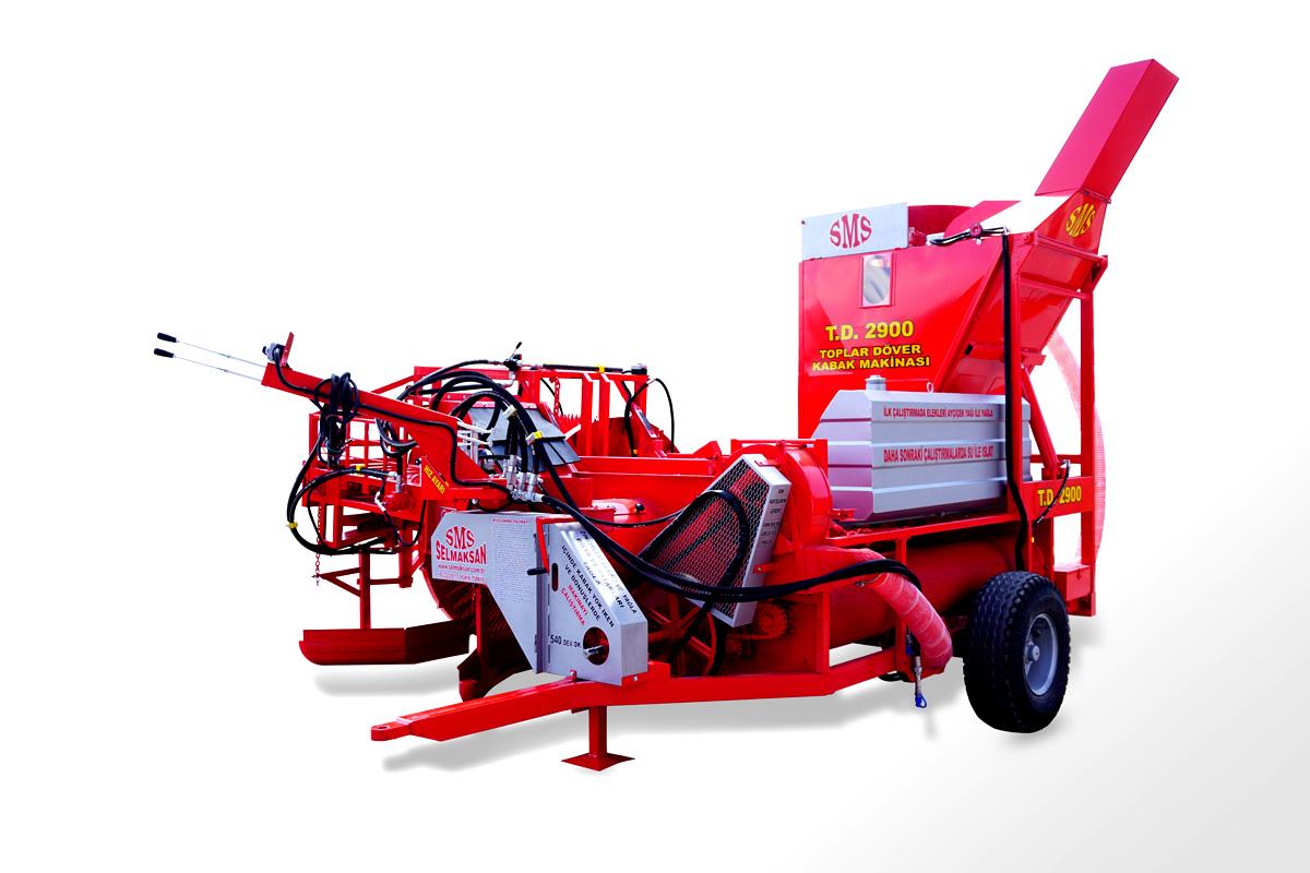 Vollautomatische Kürbiskernerntemaschine mit Aufnahme der Kürbisse1