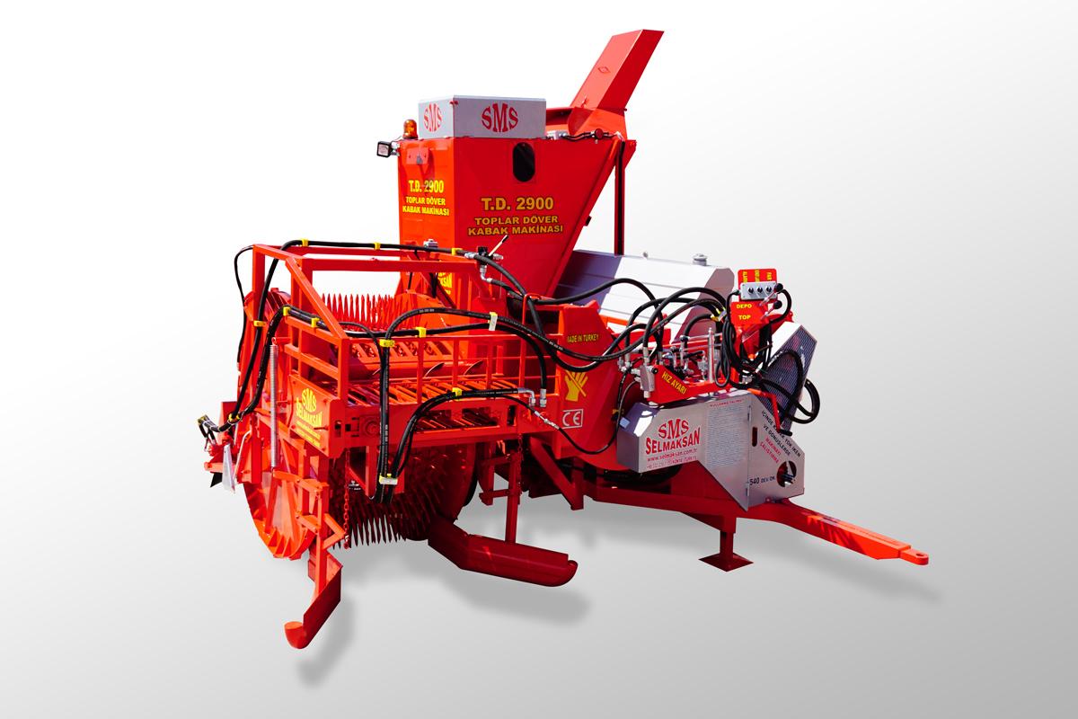 Vollautomatische Kürbiskernerntemaschine mit Aufnahme der Kürbisse2